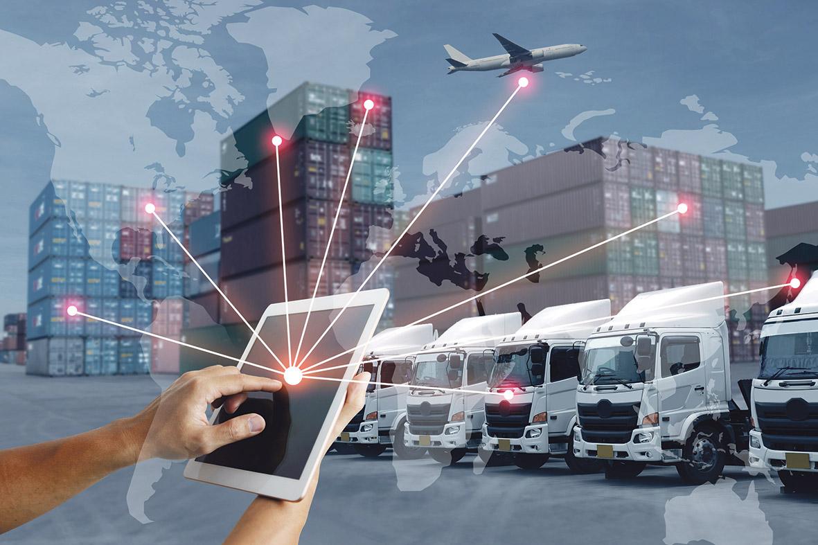 Auch die Logistik wird immer mehr digitalisiert: die ausgehende Ware wird per Flugzeug, Lastwagen und Container überwacht.